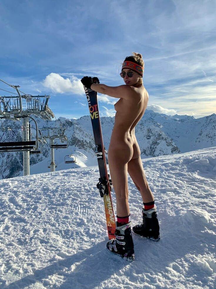 Marisa Papen Nude (6 Photos + Video)