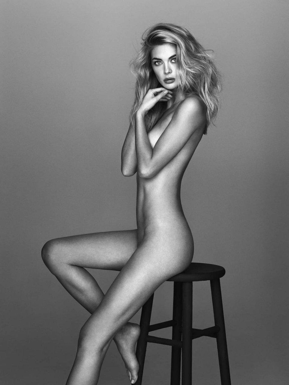Megan Williams Nude (7 Photos)