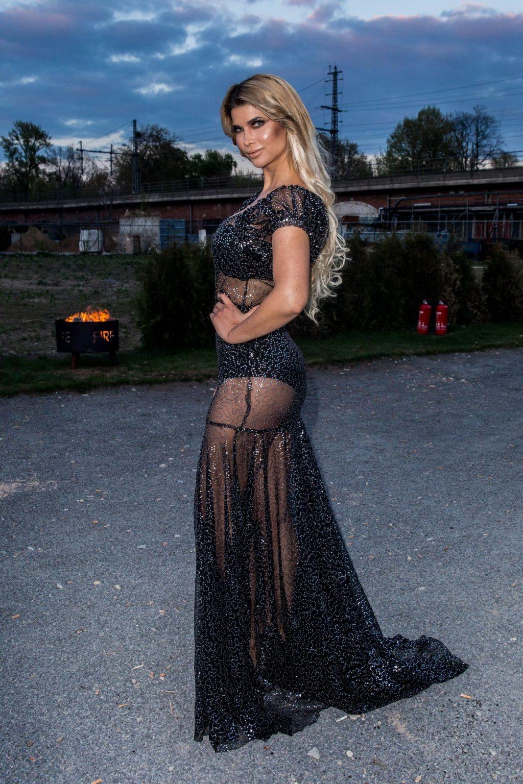 Micaela Schäfer, Yvonne Woelke Sexy (16 Photos)