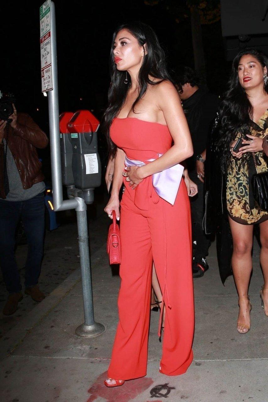 Nicole Scherzinger Sexy (77 Photos)