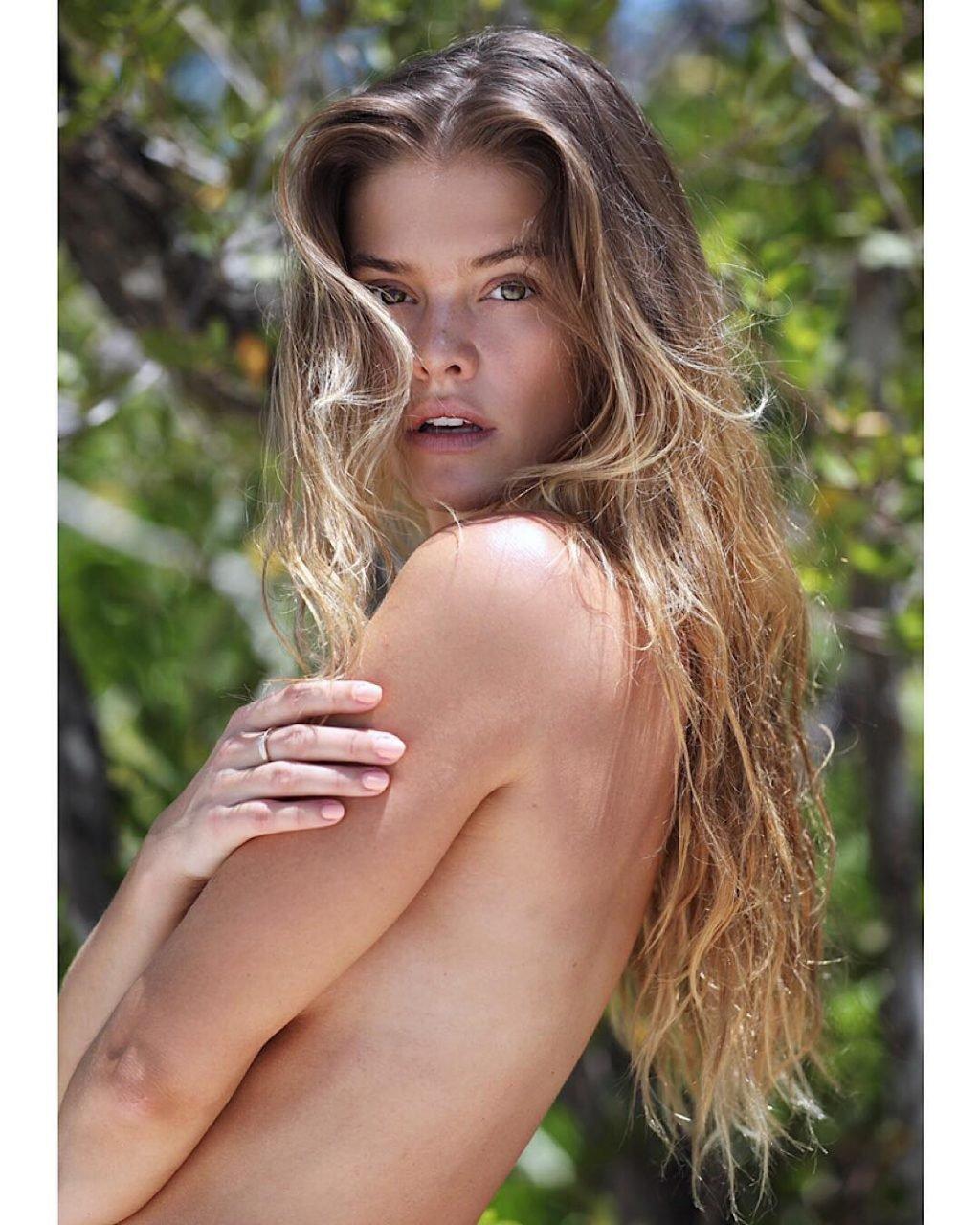Nina Agdal Topless (3 Photos)