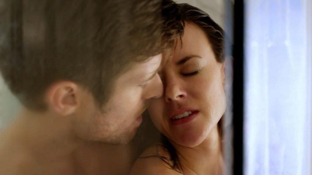 Sarah Butler Sexy – Infidelity in Suburbia (4 Pics + GIF & Video)