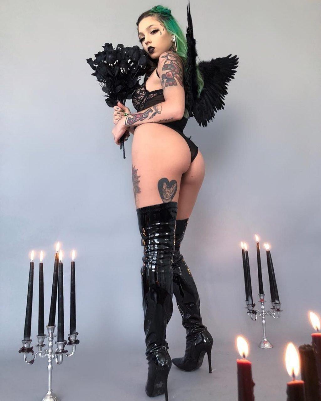 Taylor White Nude & Sexy (64 Photos + Videos)