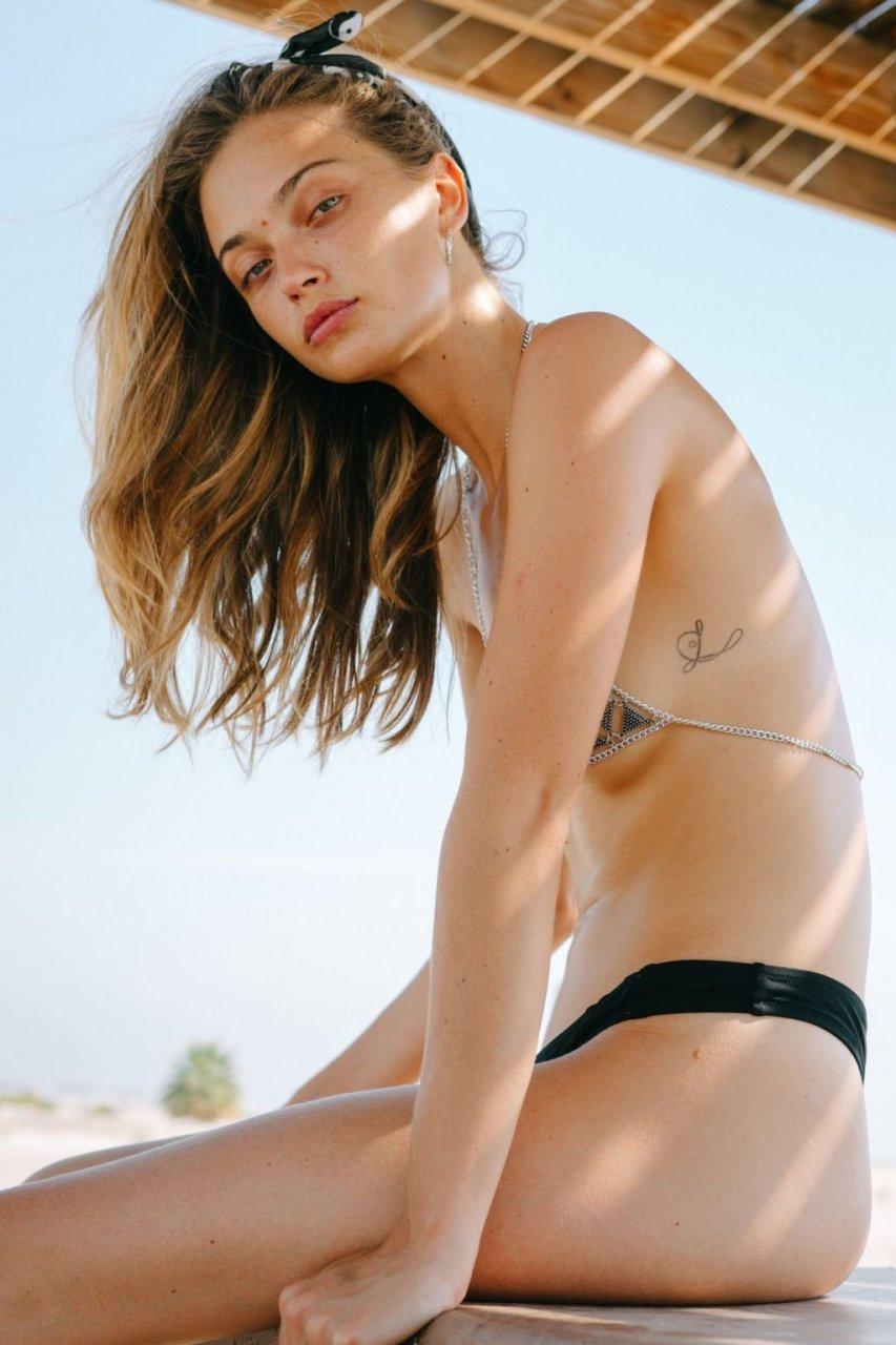 Victoria Plum Nude (9 Photos)
