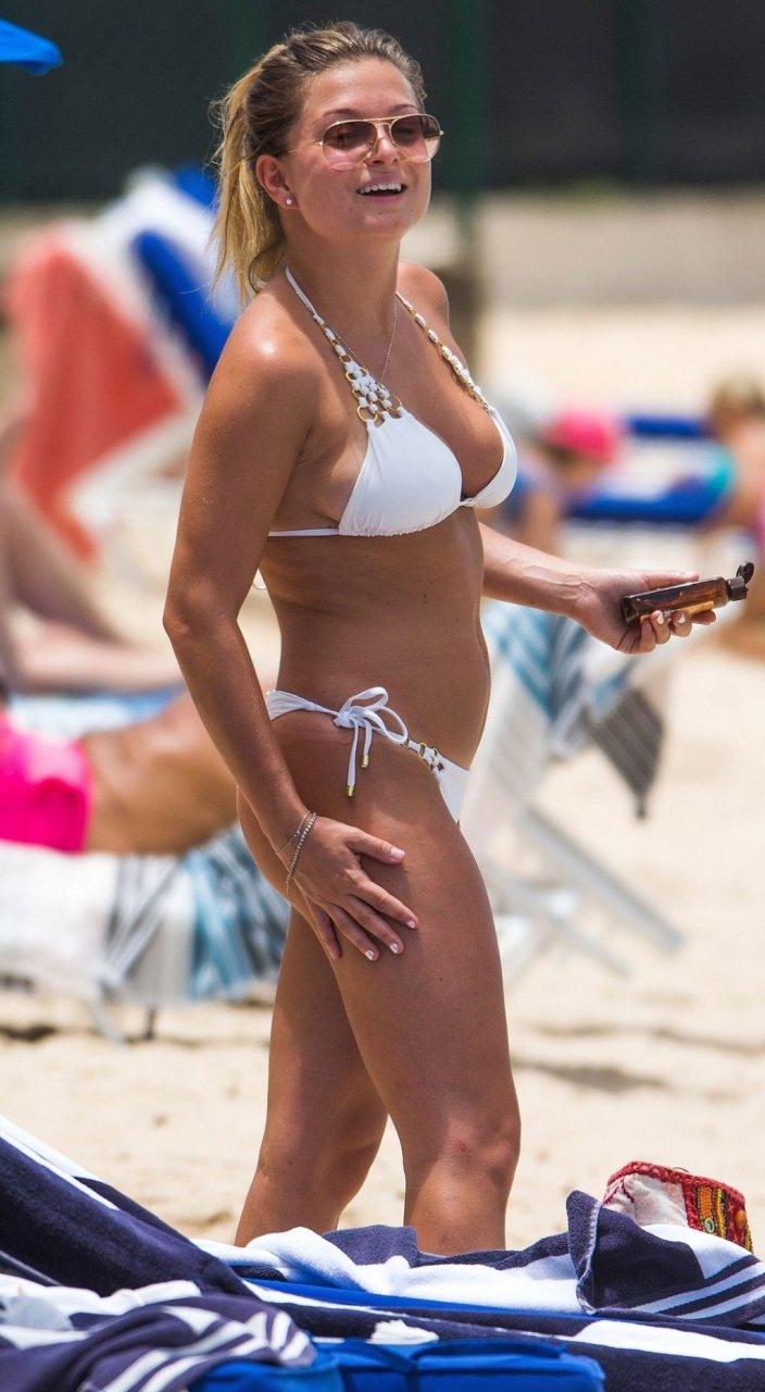 Zara Holland Sexy (36 Photos)