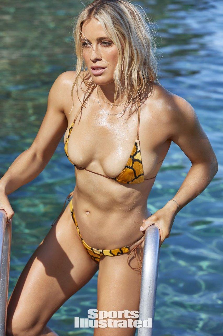 Abigail Dahlkemper Nude & Sexy (39 Photos)