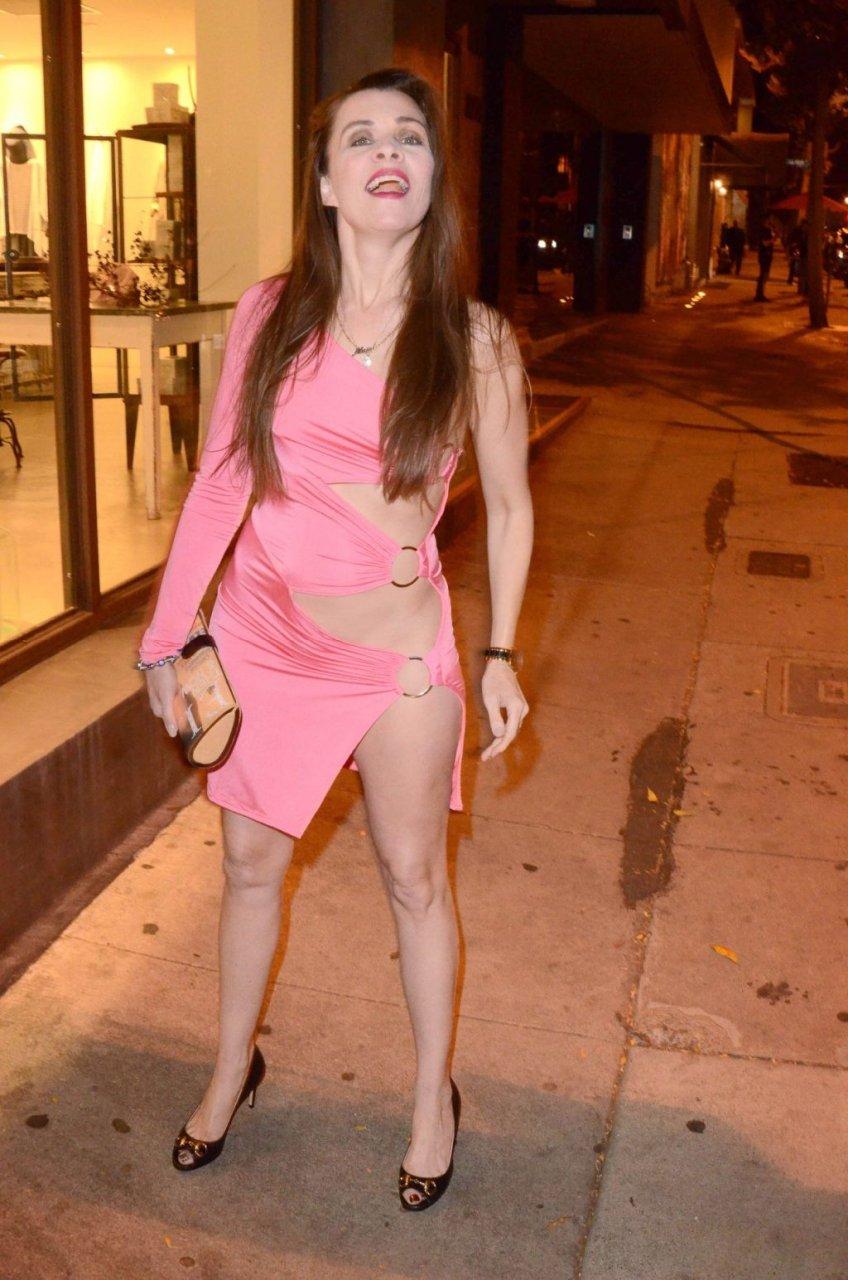 Alicia Arden Nip Slip (16 Photos)