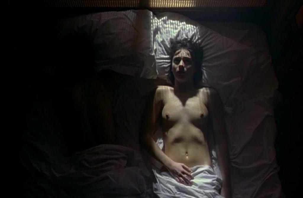 Amanda Ryan Nude – The Hunger (11 Pics + GIF & Video)