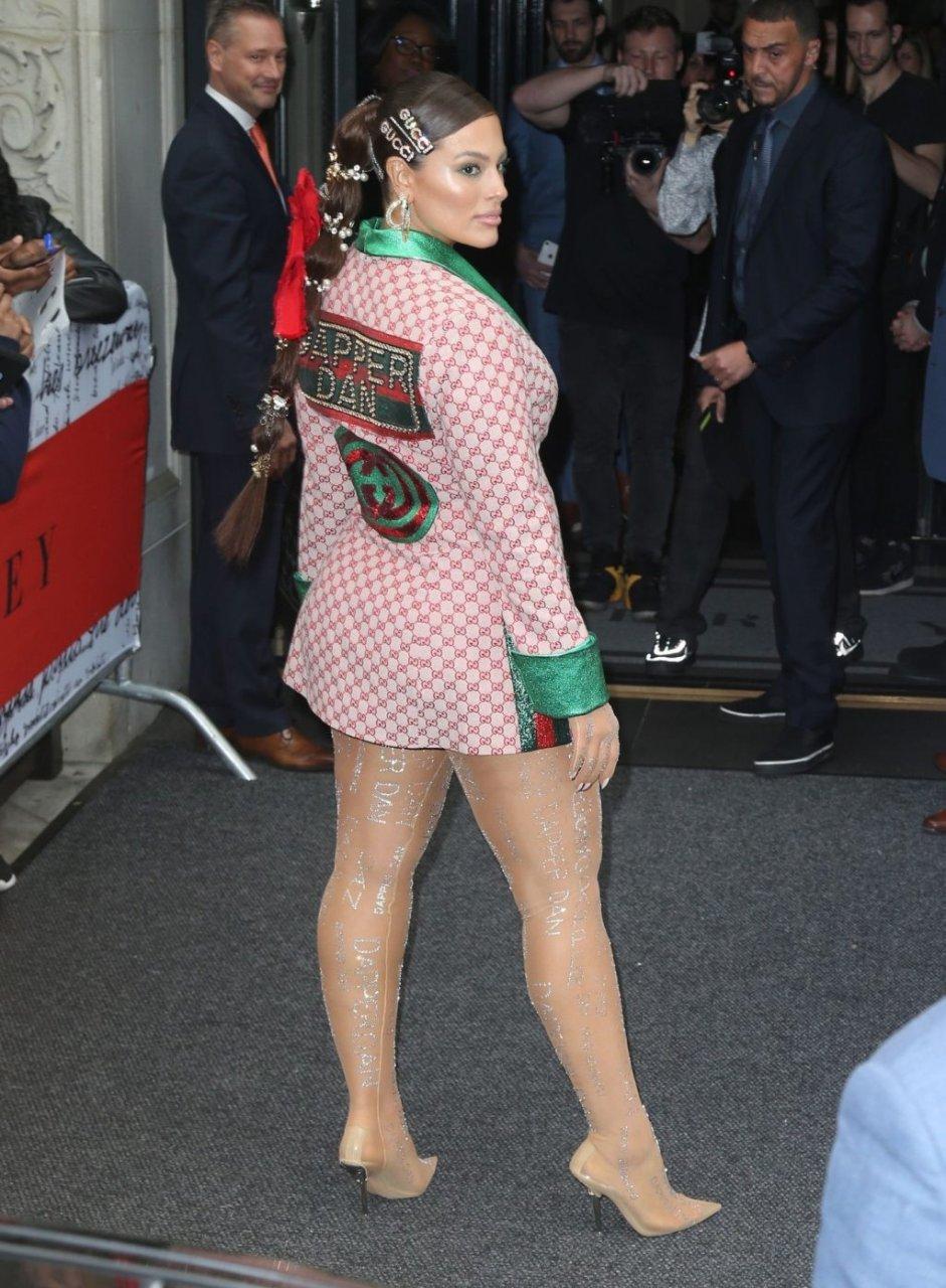 Ashley Graham Sexy (48 Photos)
