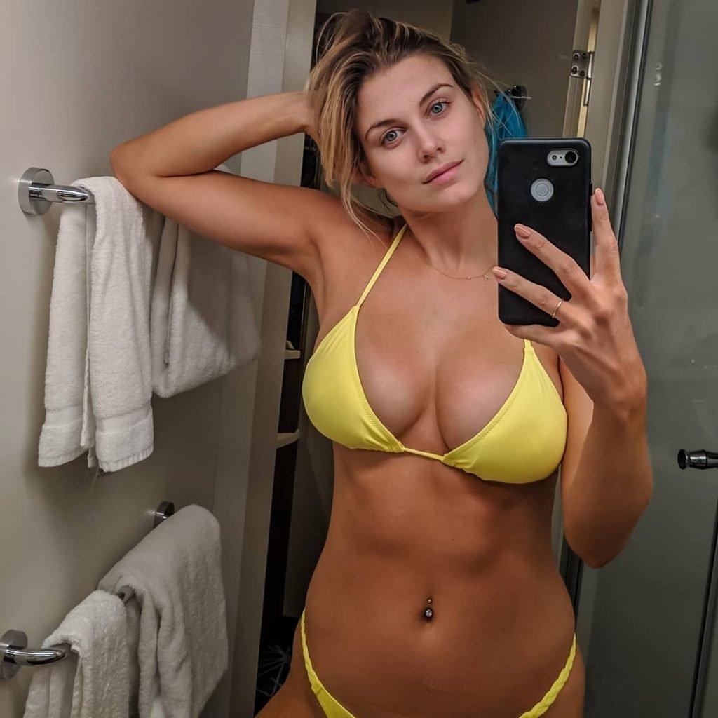 Ashley James Sexy (2 New Photos)