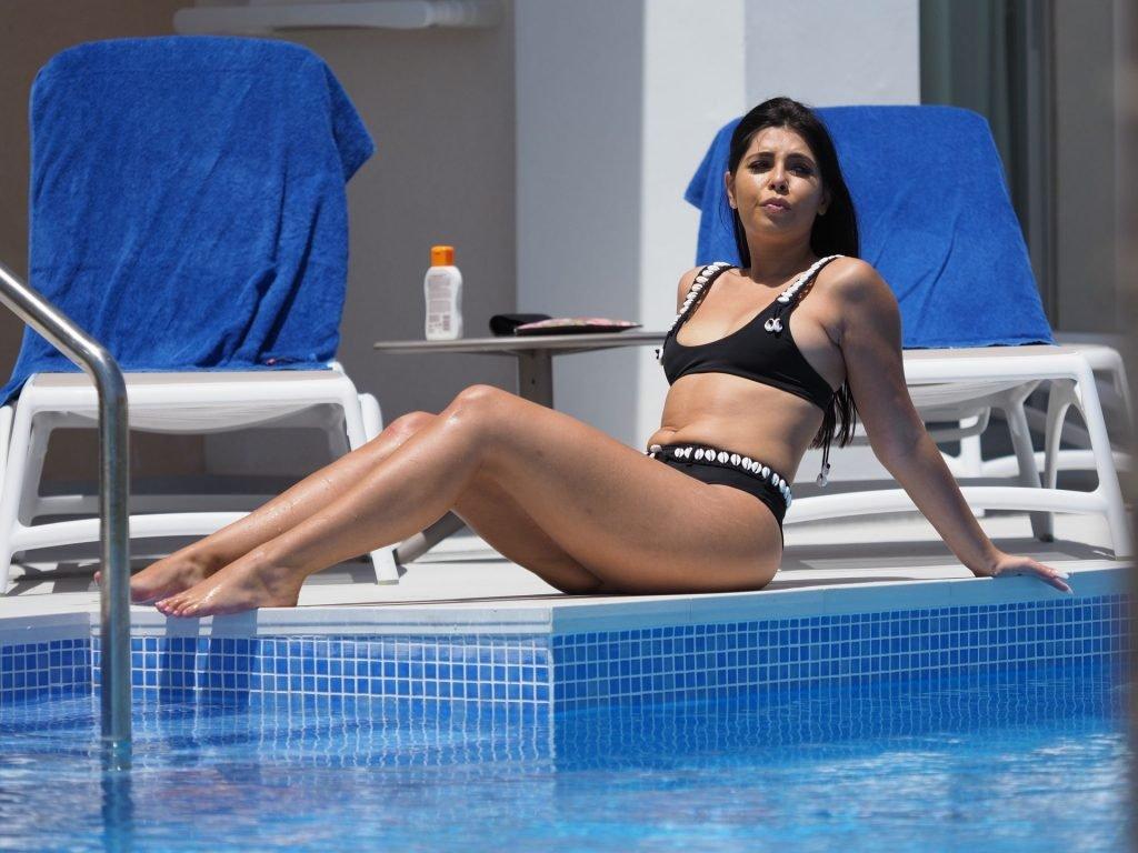 Cara De La Hoyde Sexy (30 Photos)