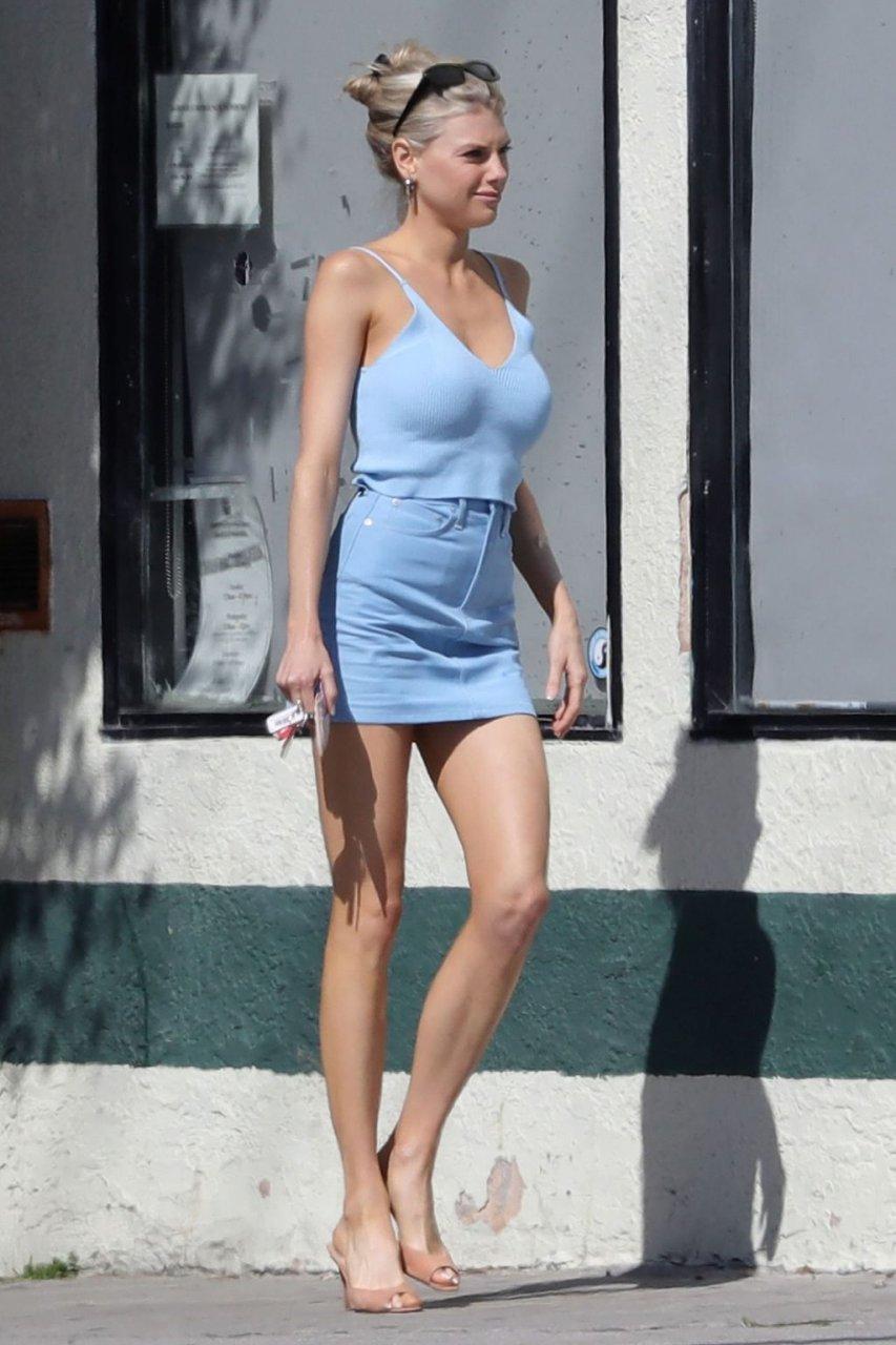 Charlotte McKinney Sexy (11 Hot Photos)