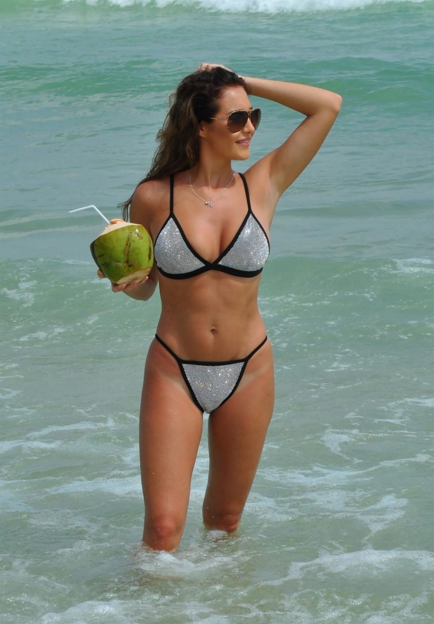 Chloe Goodman Sexy (17 Photos)