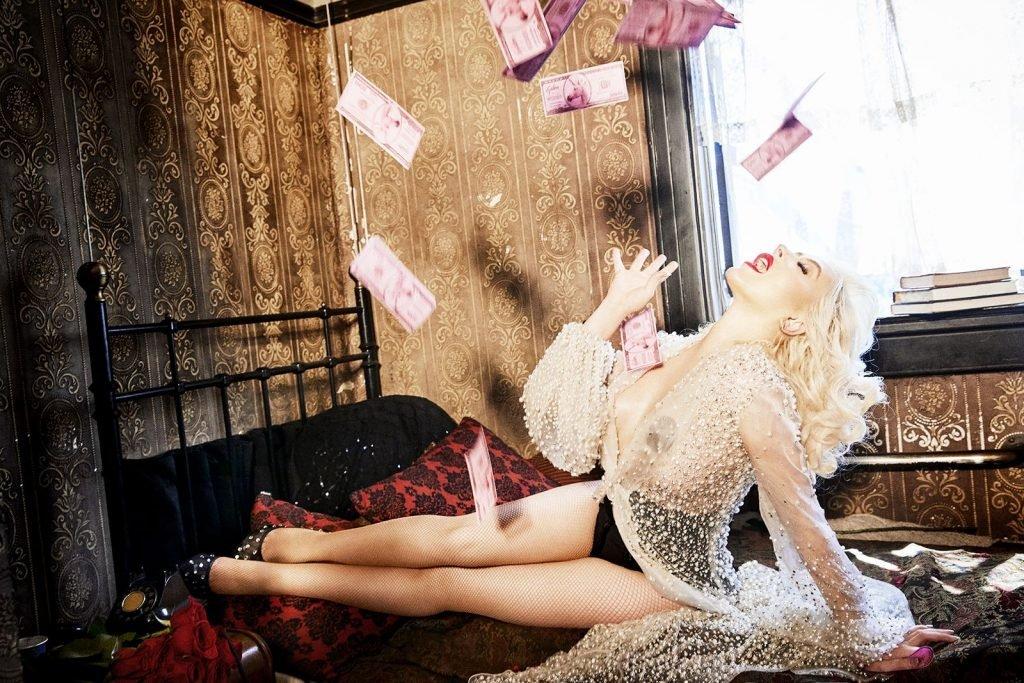 Christina Aguilera Sexy (22 Photos)