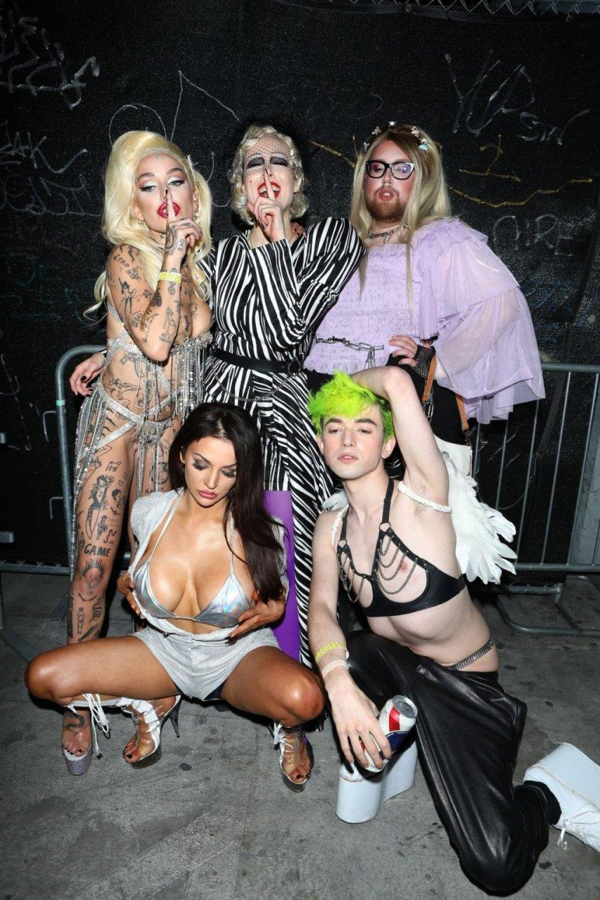 Courtney Stodden, Brooke Candy Nude & Sexy (77 Photos)