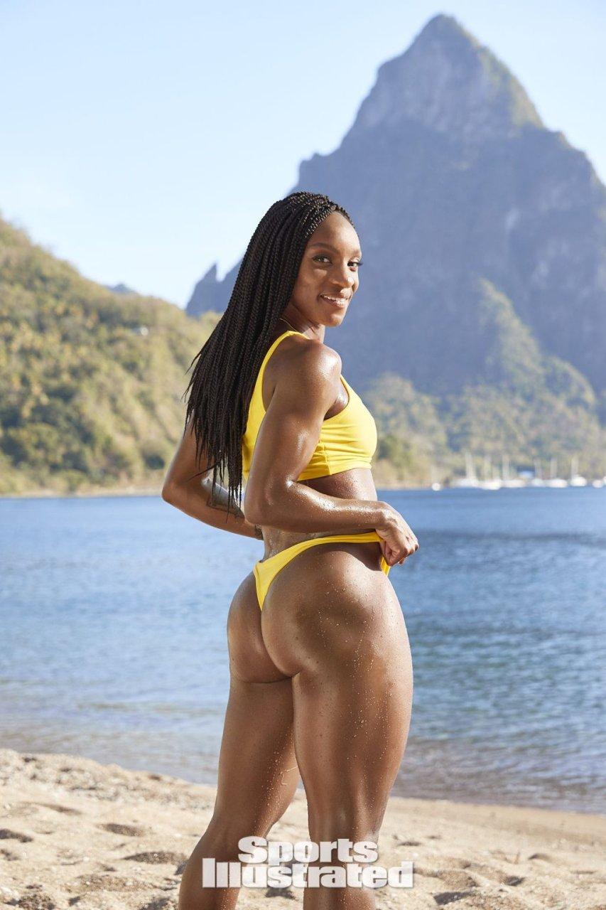 Crystal Dunn  nackt