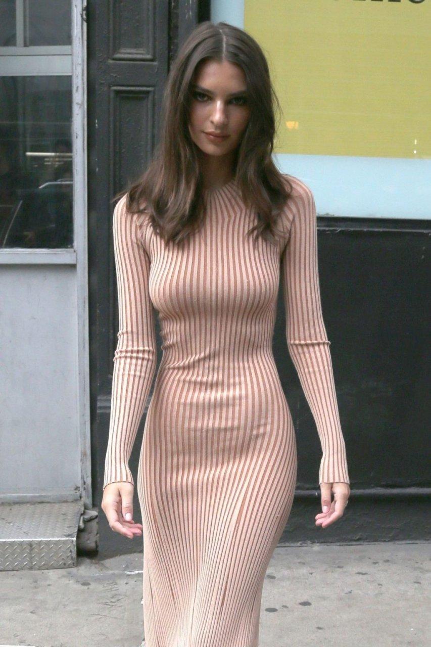 Emily Ratajkowski Sexy (66 Photos)