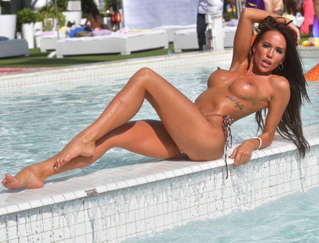 Frankie Kennedy Topless (6 Photos)