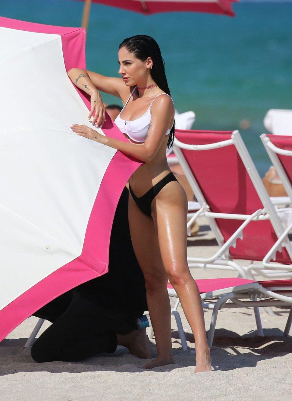 Giulia De Lellis Sexy (104 Photos)
