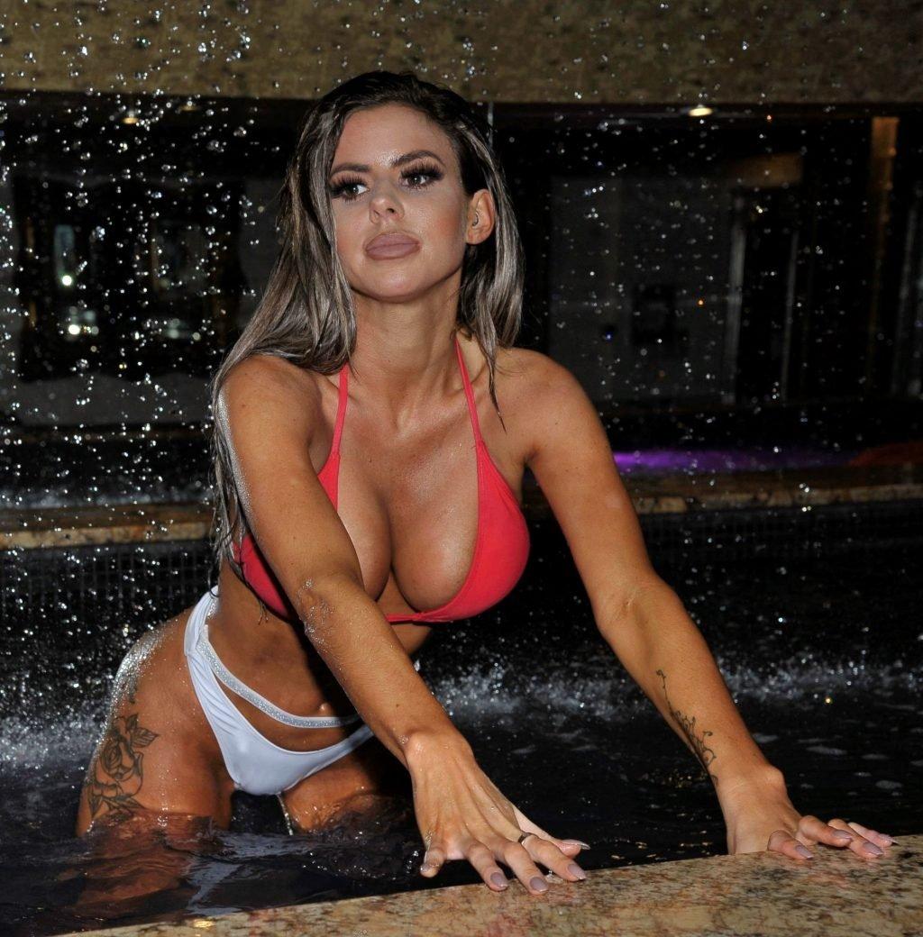 Hannah Elizabeth Sexy (23 Photos)