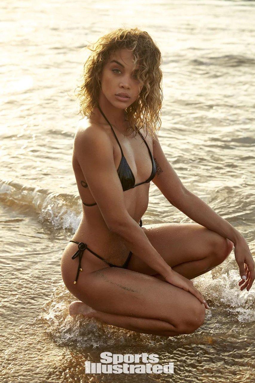 Jasmine Sanders Sexy & Topless (58 Photos + Video)