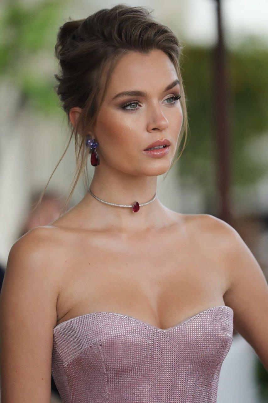 Josephine Skriver Sexy (95 Photos)