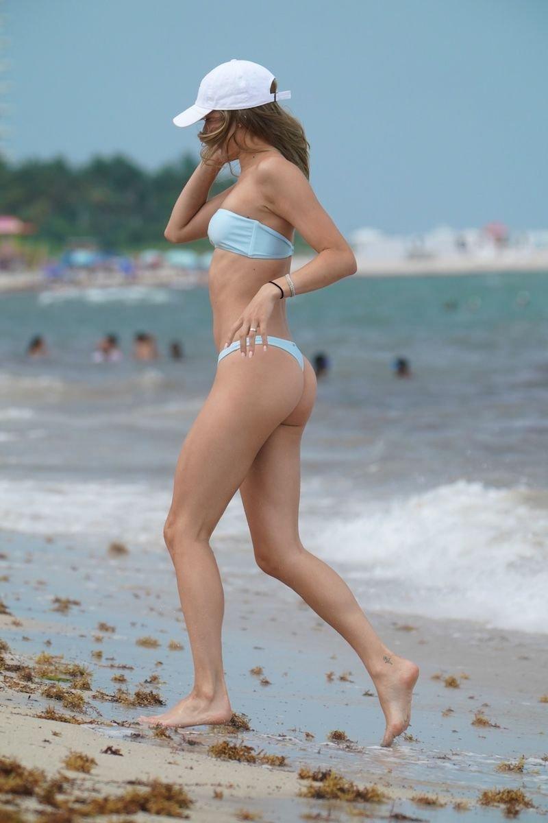Josie Canseco Sexy (17 Photos)