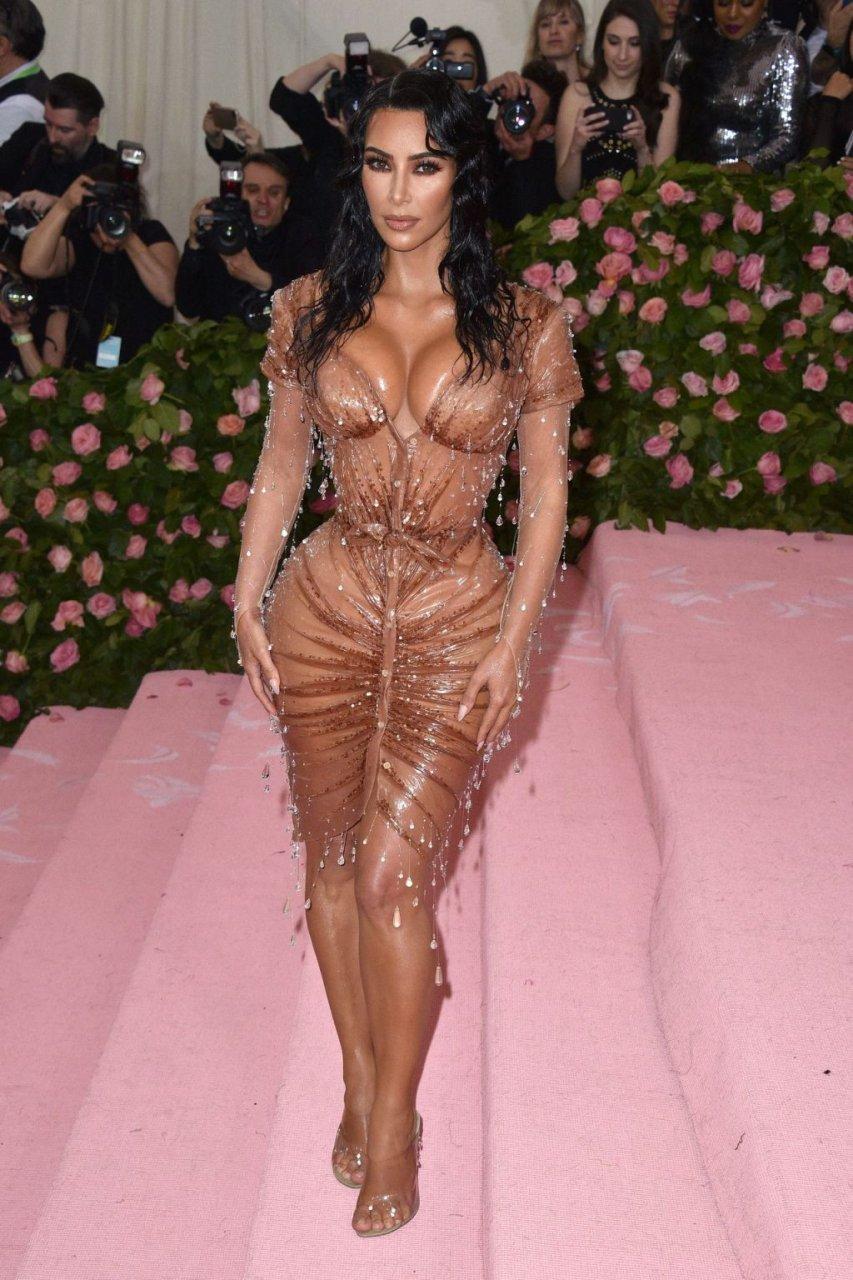 Kim Kardashian Sexy (70 Photos)