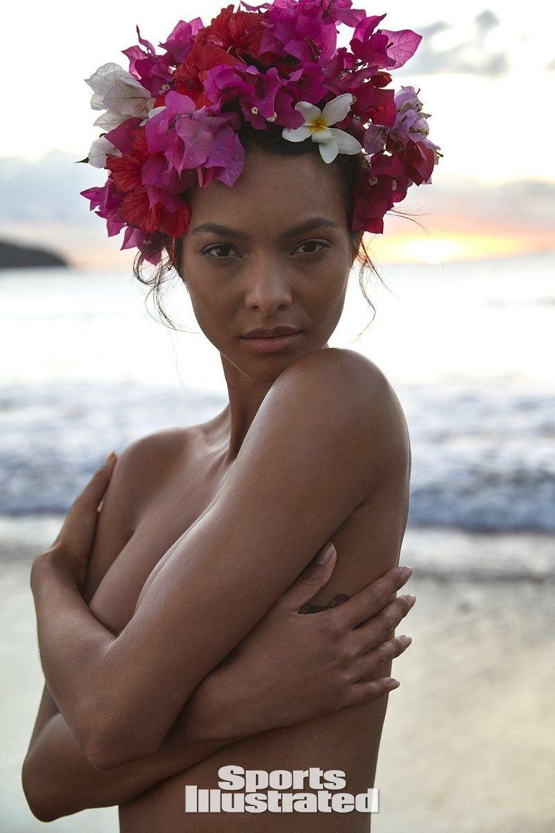 Lais Ribeiro Sexy & Topless (50 Photos + Video)