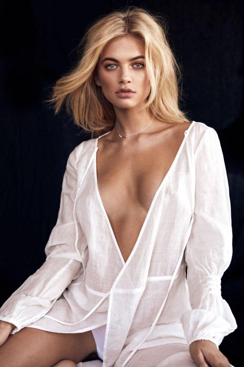 Megan Irwin Nude & Sexy (16 Photos)