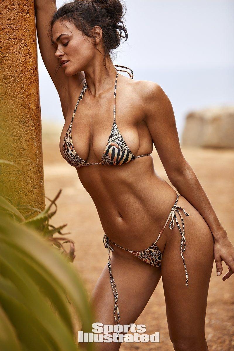 Myla Dalbesio Nude & Sexy (54 Photos + Video) | #TheFappening