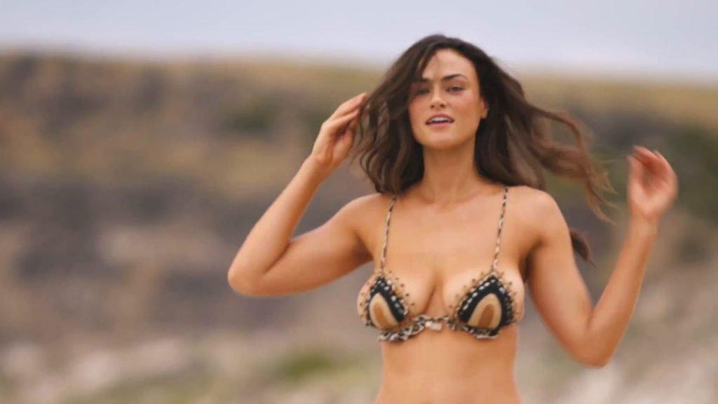 Myla Dalbesio Nude & Sexy (54 Photos + Video)