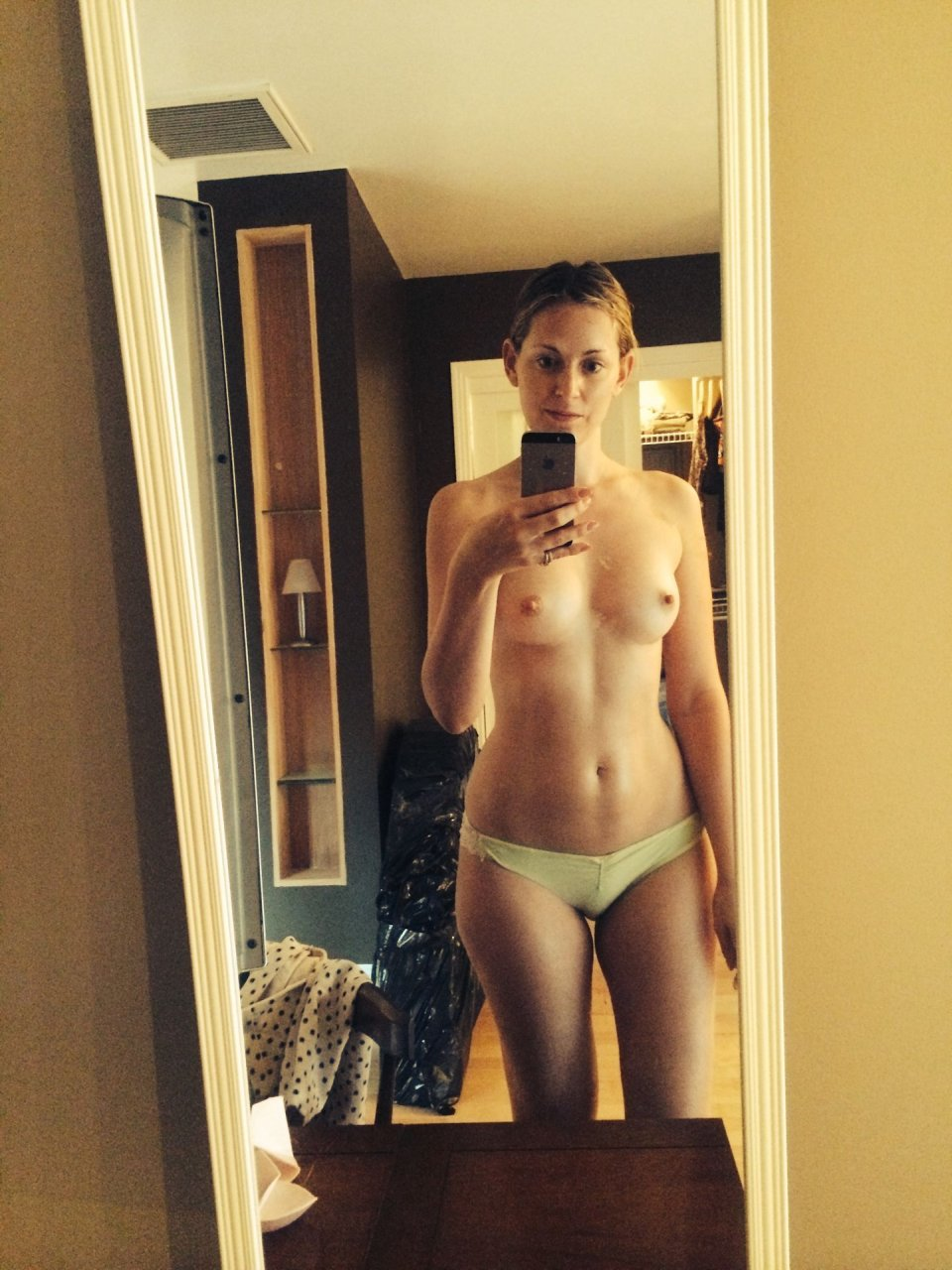 Hot Olivia Nude Pictures