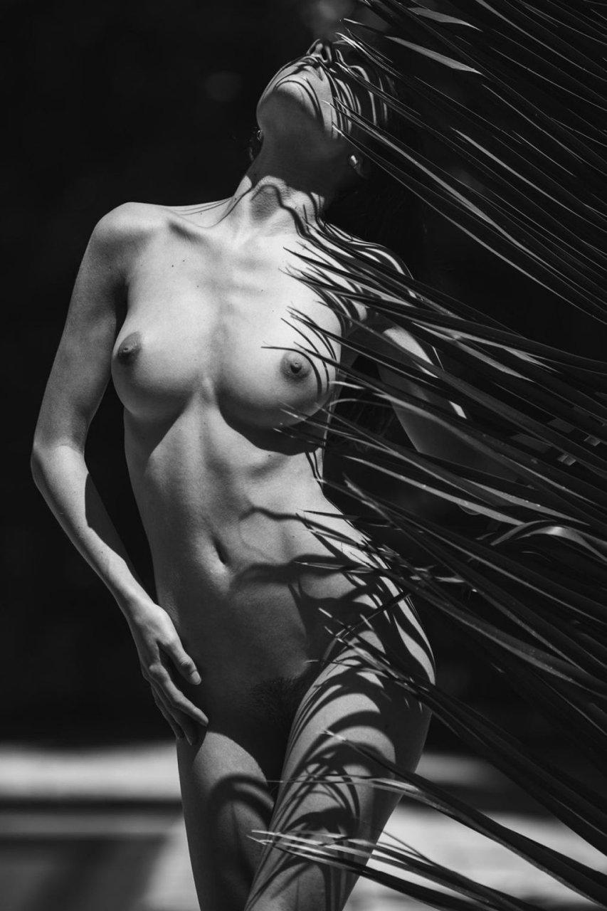 Rebecca Bagnol Nude & Sexy (15 Photos)
