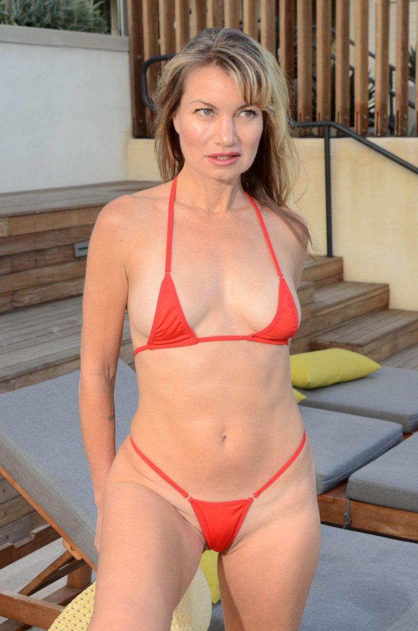 Rena Riffel Sexy (39 Photos)