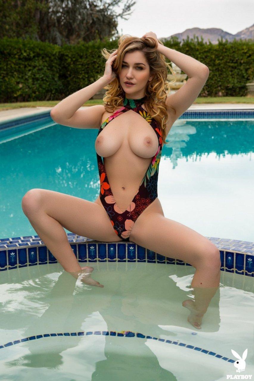 Skye Blue Nude (42 Photos + GIFs & Video)