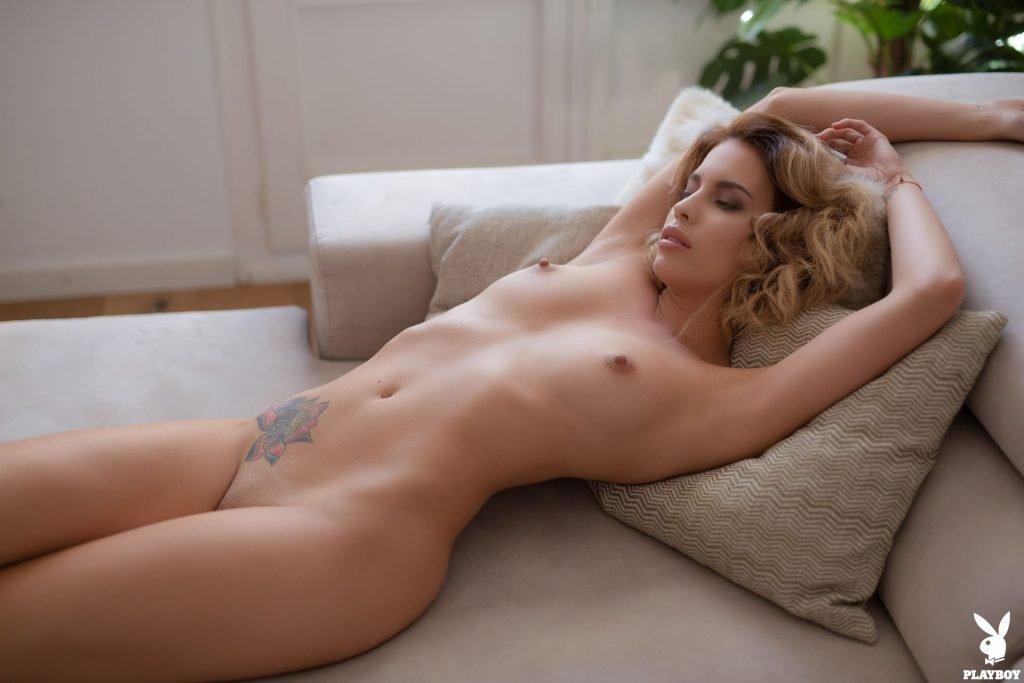 Toni Taylor  nackt