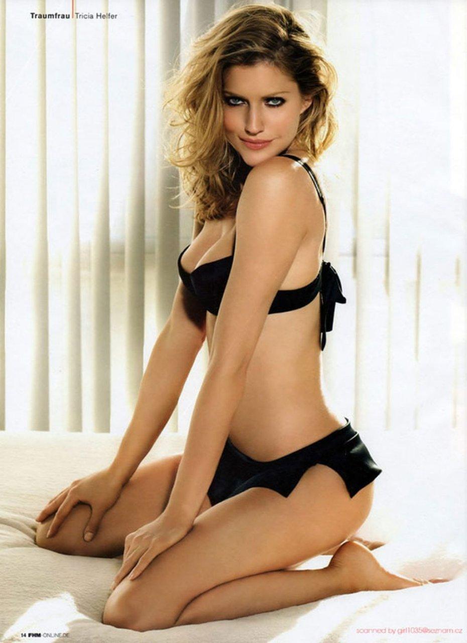 Tricia Helfer Nude & Sexy (118 Photos)