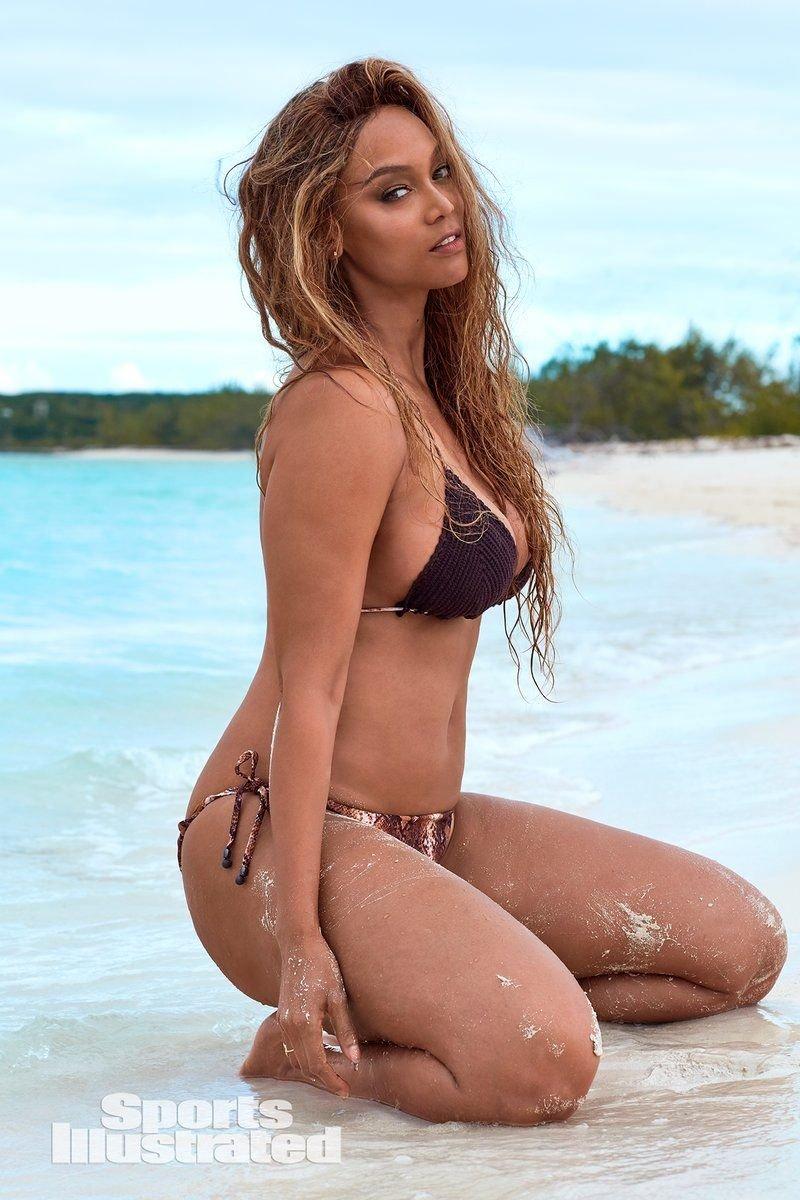 Tyra Banks Sexy (64 Photos + Video)