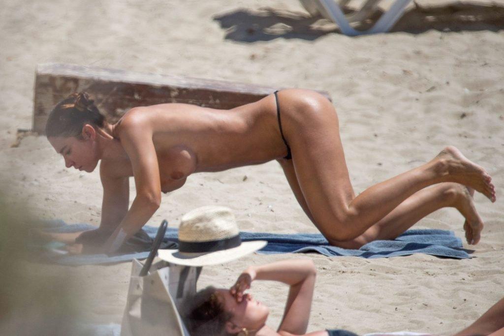 Valentina Fradegrada Nude