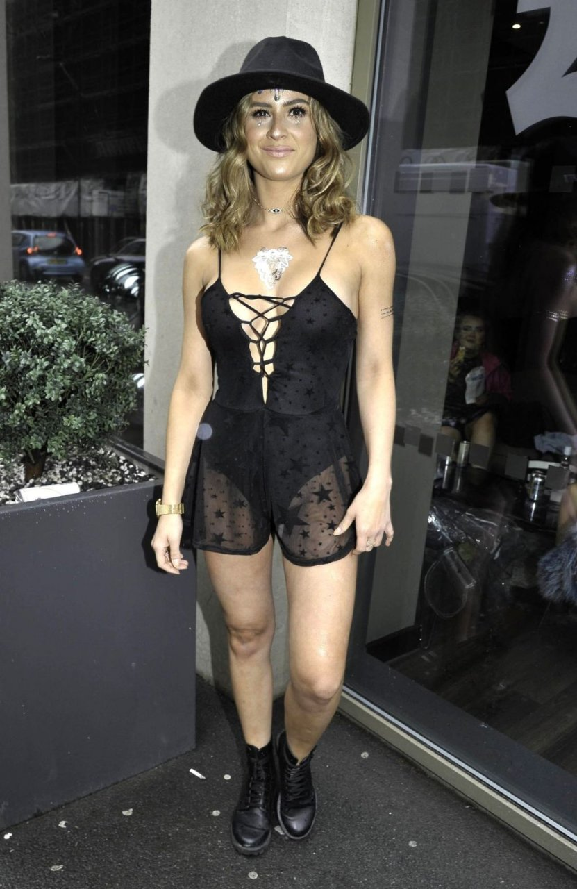 Alicia Oates Sexy (14 New Photos)