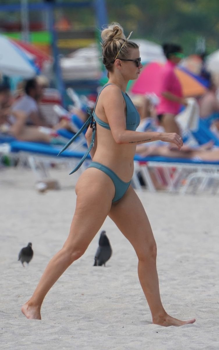 Ariana Madix Sexy (13 Photos)