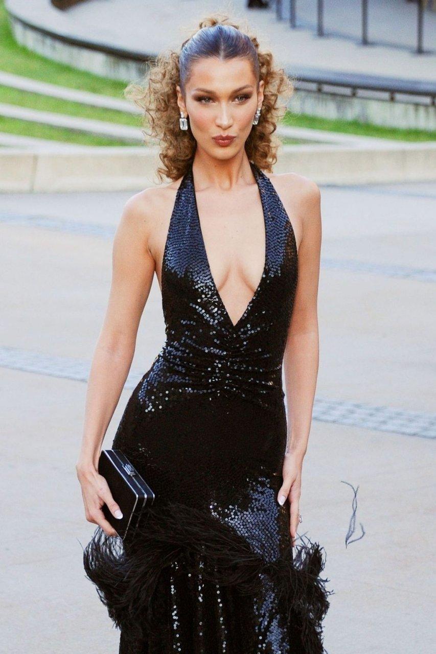 Bella Hadid Sexy (74 Photos)