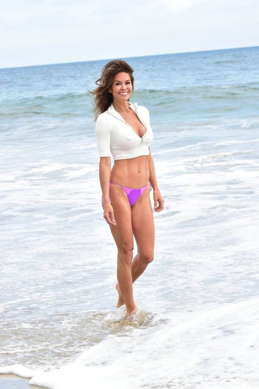 Brooke Burke Sexy (14 Photos)
