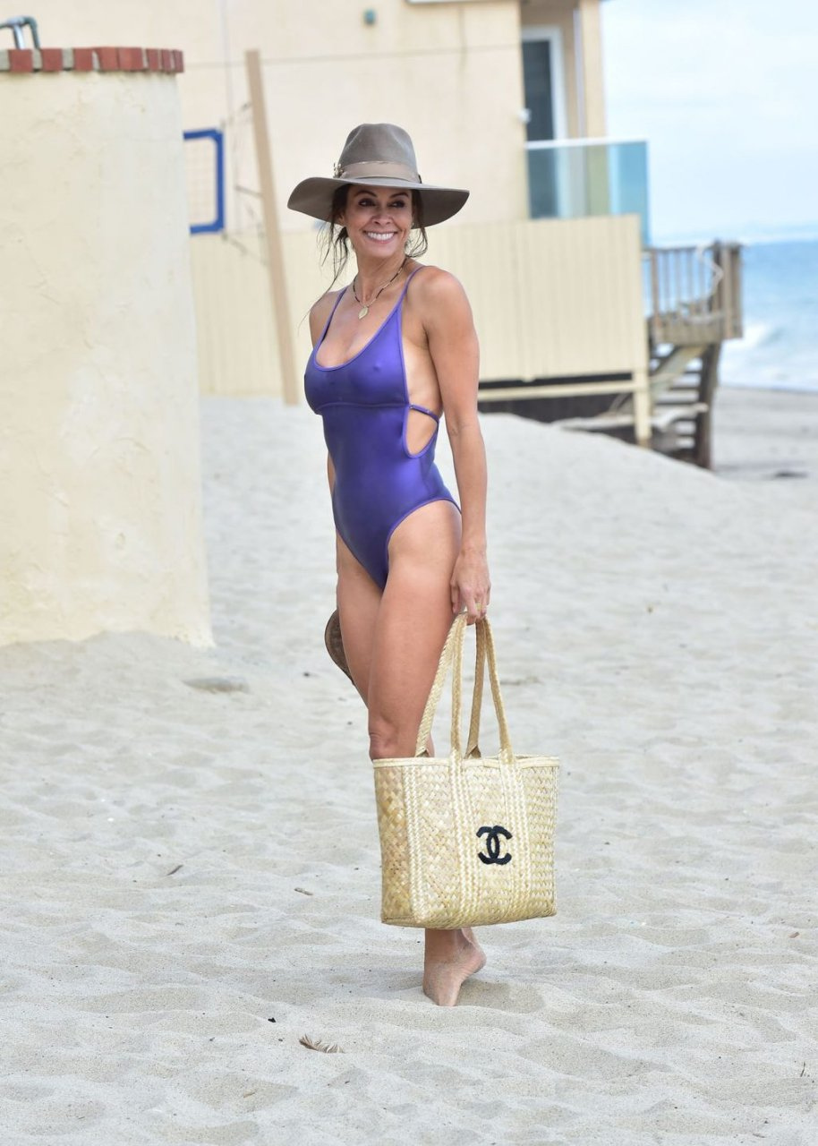 Brooke Burke Sexy (15 Hot Photos)