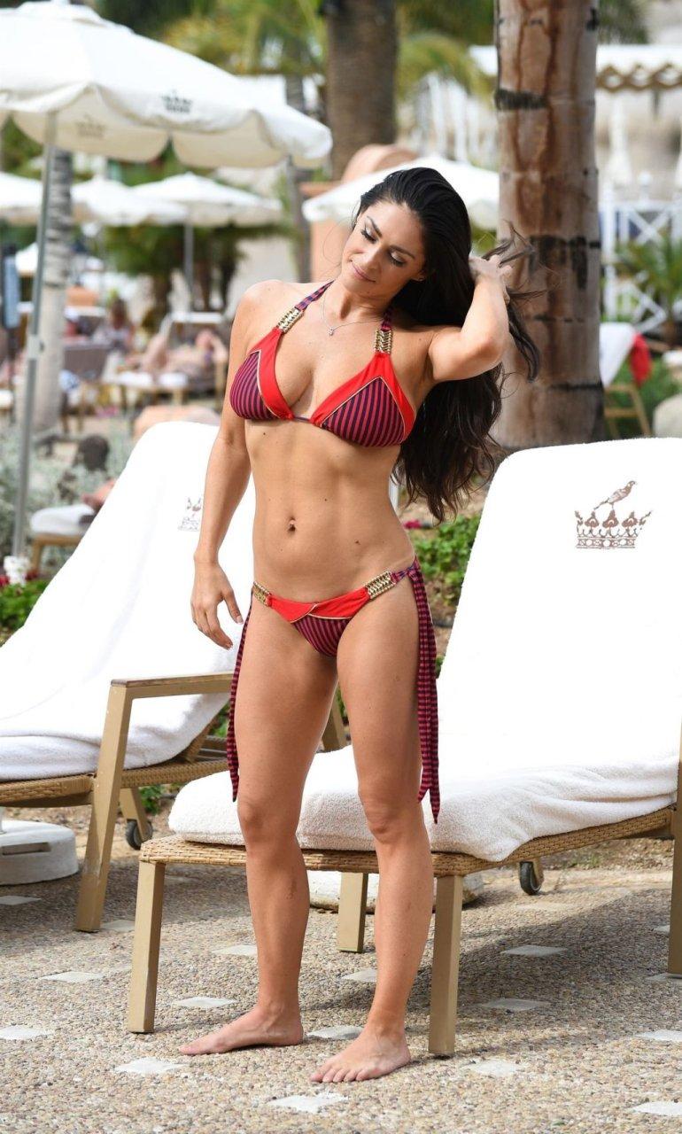 Casey Batchelor Sexy (12 Hot Photos)