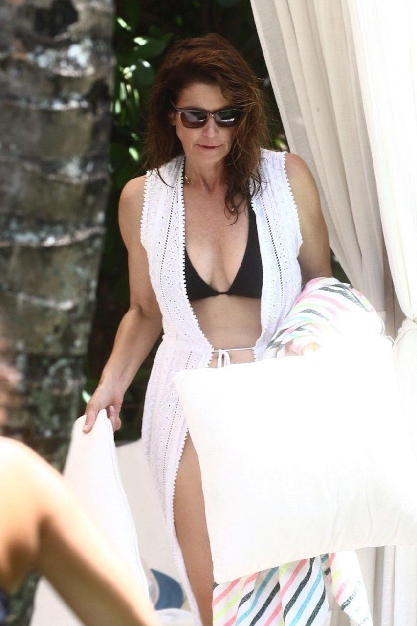 Cindy Crawford Sexy (39 Photos)
