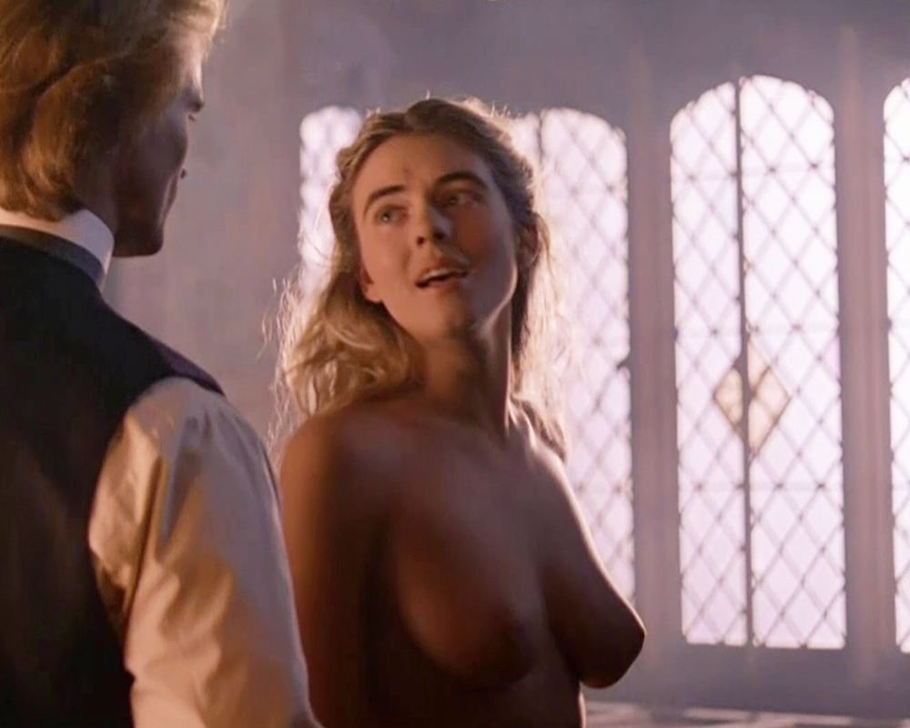 Top-20 Celebrity Nude Debuts (New Video)