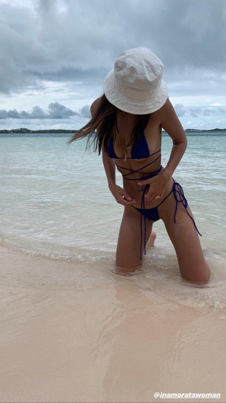 Emily Ratajkowski Sexy (21 Photos)