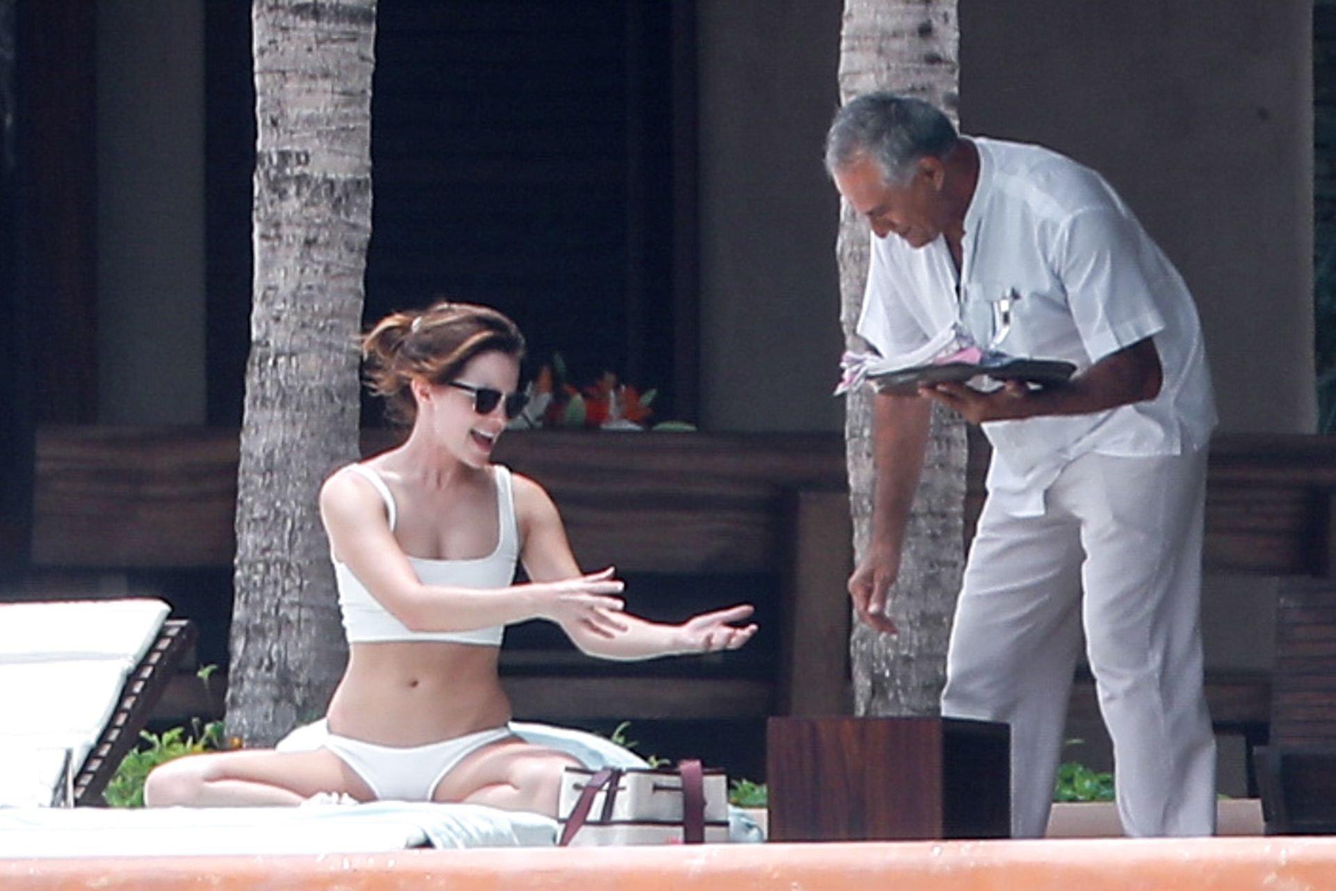 Emma Watson wears bikini while enjoying some downtime in Cabo, 4-6-2019